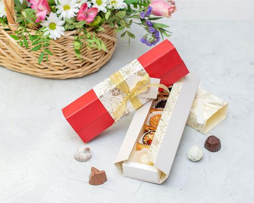 Подарочный набор конфет ручной работы Пенал-купе на 8 марта