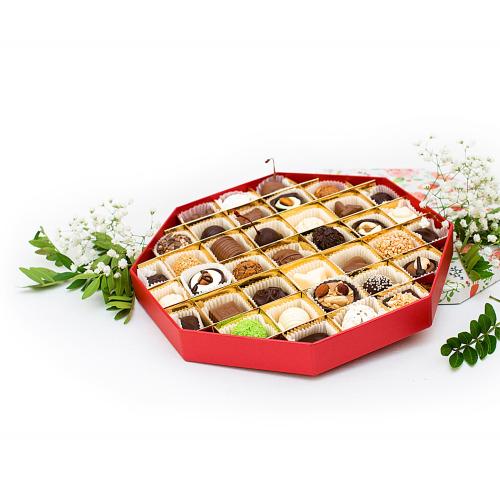 Подарочный набор конфет ручной работы Восьмигранник
